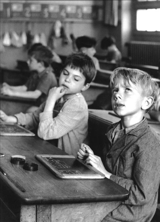 robert-doisneau_ecole-rue-buffon_1956