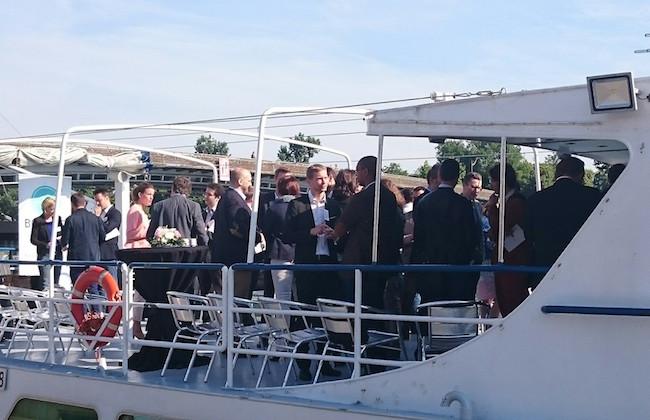 Du monde sur le bateau ;)